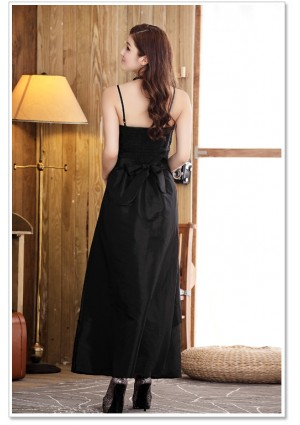 Satin Abendkleid in langem Design in Schwarz - schnell und günstig bei VIP Dress