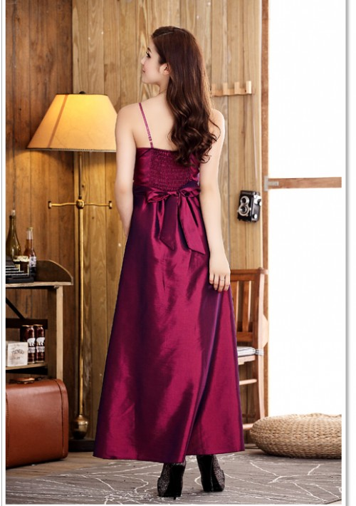 Langes Abendkleid mit Himbeer-Satin - bei VIP Dress online bestellen
