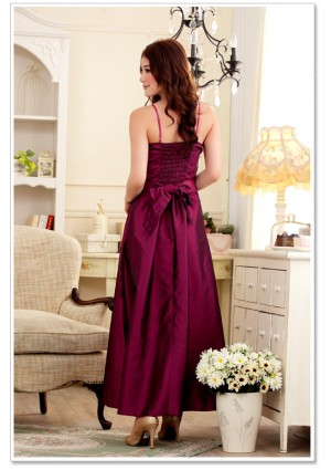 Langes Satin-Abendkleid in Himbeer - bei VIP Dress online bestellen