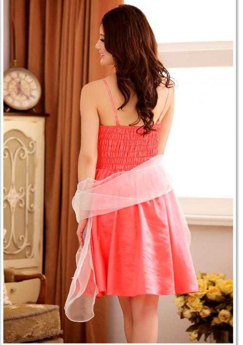 Abendkleid mit Glockenrock in rotem Satin - bei vipdress.de günstig shoppen