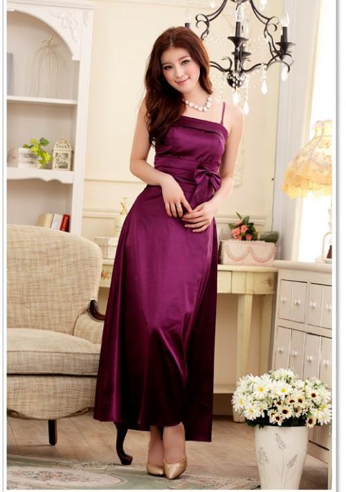 Stilvoll geschnittenes Abendkleid in Lila - bei VIP Dress günstig kaufen