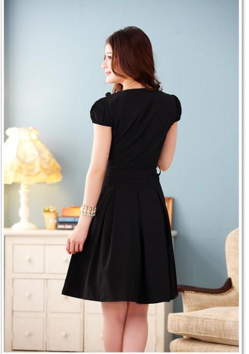 Schwarzes Abendkleid mit Vintage-Flair - günstig shoppen bei vipdress.de