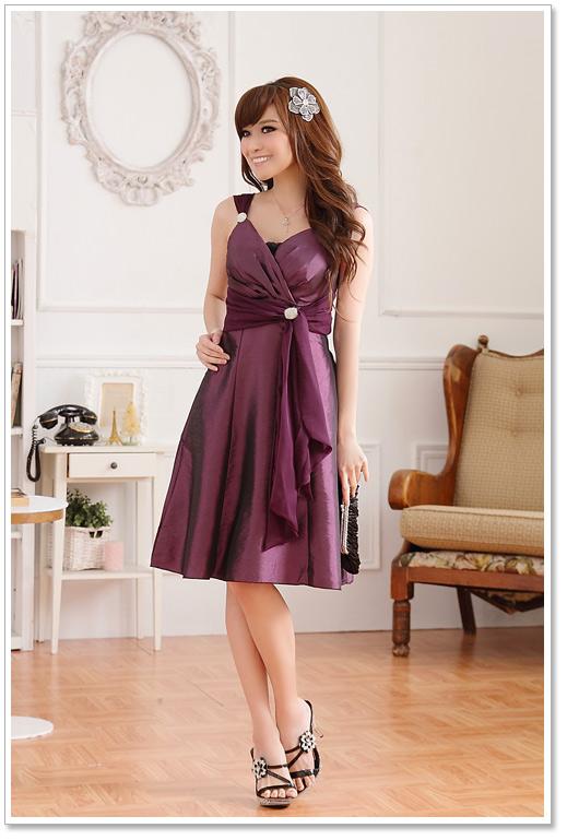 Glamouröses Kleid mit drapiertem Oberteil in Lila ✿