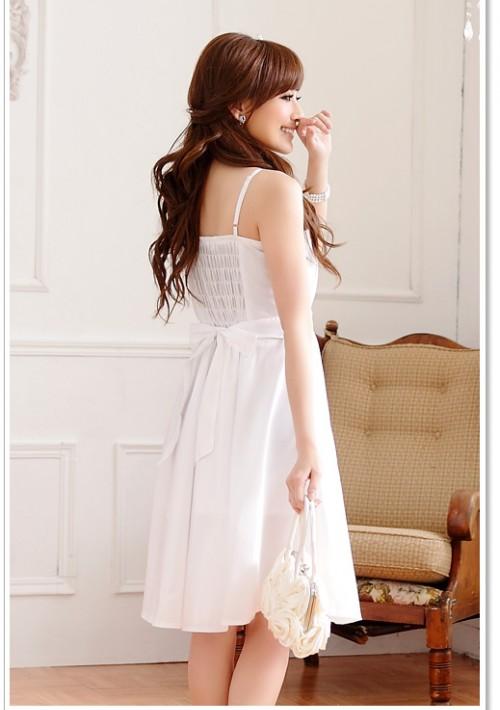 Abendkleid in Weiß mit edel wirkenden Strassbesatz - bei VIP Dress günstig kaufen