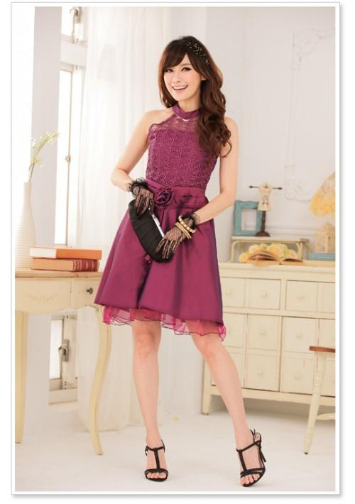 Abendkleid aus Spitze und elegantem Satin - bei VIP Dress online bestellen