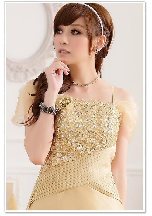 Beiges Abendkleid aus Satin - hier günstig online bestellen