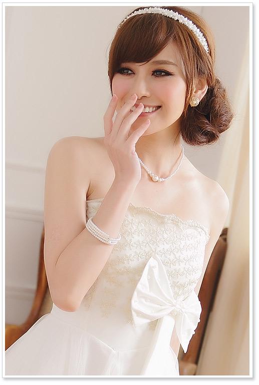 Weißes Abendkleid mit großer Schleife günstig kaufen ✮