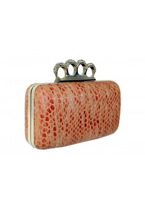 Längliche Knuckle Clutch mit Hartschale - <br /> <b>Notice</b>:  Undefined index: altTail in <b>/home/vipdress/public_html/tools/smarty/compile/3a21d04bf1b909ed03be781795539a91ac65494e.file.product.tpl.php</b> on line <b>264</b><br />