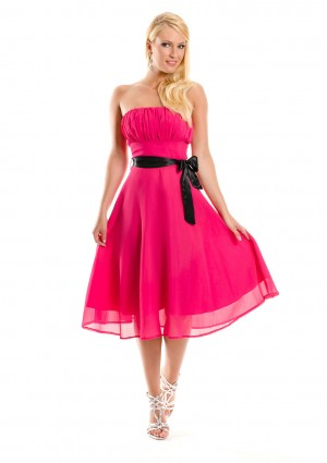 Cocktailkleid in Pink im Bandeau-Stil mit Schleife - günstig shoppen bei vipdress.de
