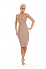 Bodycon-Kleid in Beige mit schulterfreiem Schnitt