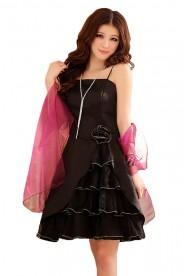 Schwarzes Abiballkleid mit Tüllgewebe und Lagenlook