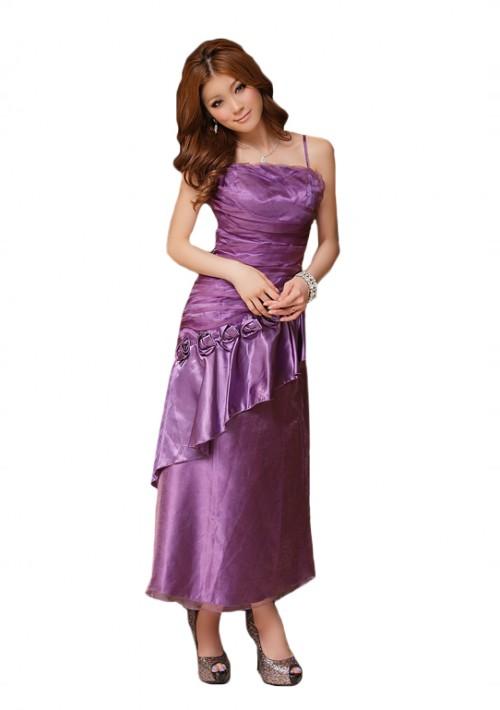 Langes Abendkleid in Lila mit Zierblumen - hier günstig online bestellen