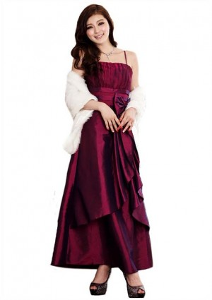 Langes Abendkleid mit Himbeer-Satin -