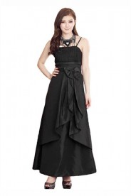Satin Abendkleid in langem Design in Schwarz