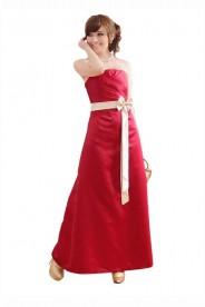 Rotes Abendkleid aus Satin mit heller Zierschleife