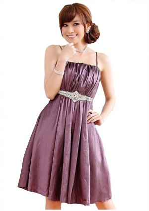 Cocktailkleid in Lila mit Strassapplikation -