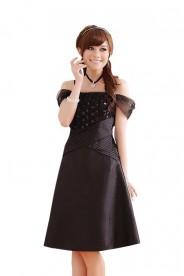Schwarzes Satin Abendkleid im eleganten Look