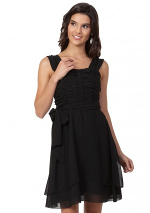 Chiffon-Cocktailkleid in Schwarz - <br /> <b>Notice</b>:  Undefined index: altTail in <b>/home/vipdress/public_html/tools/smarty/compile/3a21d04bf1b909ed03be781795539a91ac65494e.file.product.tpl.php</b> on line <b>264</b><br />