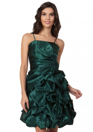 Grünes Cocktailkleid aus Satin mit Rüschenfalten - <br /> <b>Notice</b>:  Undefined index: altTail in <b>/home/vipdress/public_html/tools/smarty/compile/3a21d04bf1b909ed03be781795539a91ac65494e.file.product.tpl.php</b> on line <b>264</b><br />