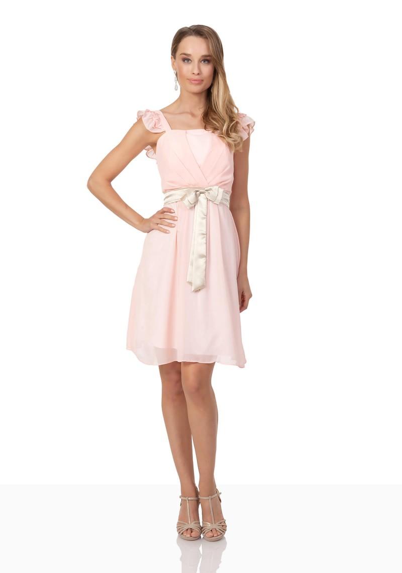 Auffallendes Ballkleid in zartem Rosa mit elegantem Schnitt ☆