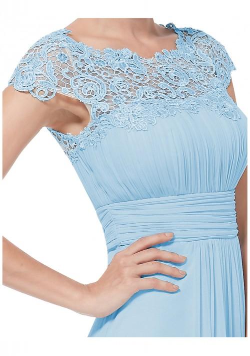 Traumhaftes langes Abendkleid mit edler Spitze in Hellblau - günstig bei VIP Dress