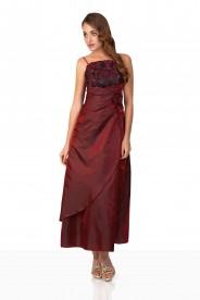 Abendkleid in elegantem Rot