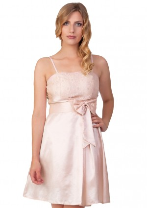 Abiballkleid mit Blumenstickereien in Rosa - <br /> <b>Notice</b>:  Undefined index: altTail in <b>/home/vipdress/public_html/tools/smarty/compile/3a21d04bf1b909ed03be781795539a91ac65494e.file.product.tpl.php</b> on line <b>264</b><br />