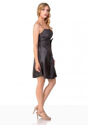 Satin-Abendkleid in Schwarz mit glänzender Verzierung - schnell und günstig bei VIP Dress