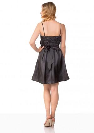 Satin-Abendkleid in Schwarz mit glänzender Verzierung - online bestellen bei vipdress.de
