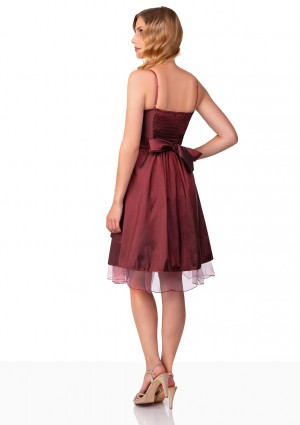Kurzes Abiballkleid in Rot mit Tüllabsatz und Schleife - bei VIP Dress günstig kaufen
