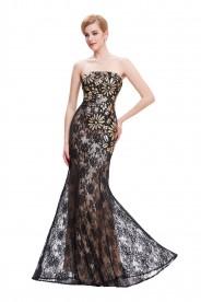 Schulterfreies, langes Etui-Kleid in Schwarz aus Spitze