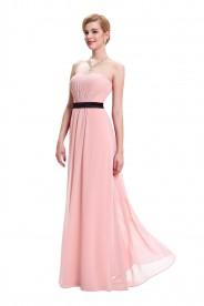 Trägerloses, langes Abendkleid in Rosa