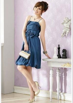 Satin-Ballkleid in Blau mit Ballonrock und Schleife - bei VIP Dress günstig kaufen