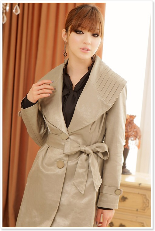 schicker trenchcoat in khaki f r damen. Black Bedroom Furniture Sets. Home Design Ideas