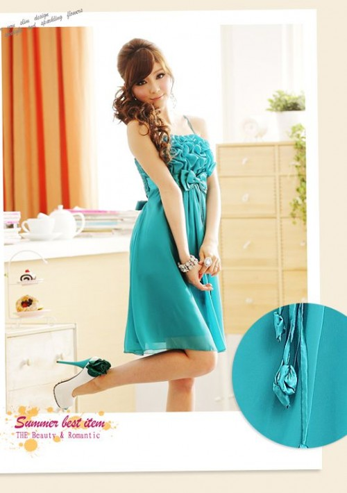 Grünes Abendkleid mit auffälligen Raffungen und Schleifen - günstig bestellen bei VIP Dress