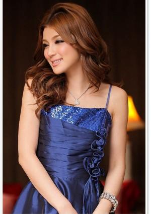 Elegantes Abendkleid in Blau mit kurzem Schnitt - günstig shoppen bei vipdress.de