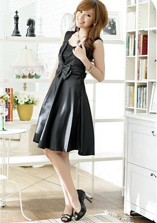 Kurzes Ballkleid in Schwarz mit Taillenschleife - günstig bestellen bei VIP Dress