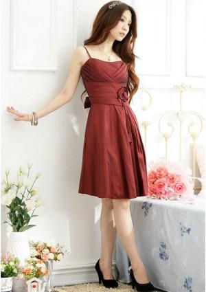 Satinkleid in Rot mit Dekoblume - bei VIP Dress online bestellen