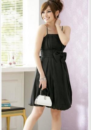 Ballkleid in schwarzem Satin mit Ballonrock und Zierschleife - günstig bei VIP Dress