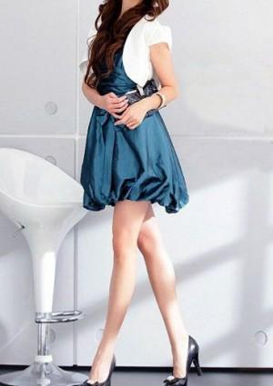 Cocktailkleid in Blau mit Taillenband und Ballon-Optik - hier günstig online bestellen