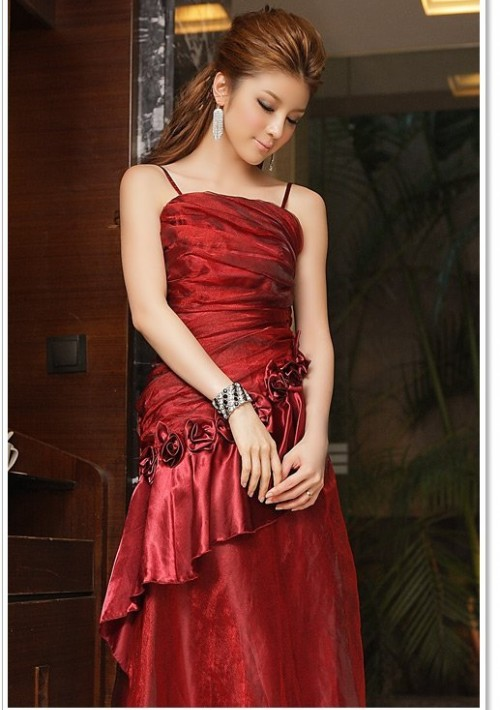 Langes Abendkleid mit Deko-Blumen in Rot - bei VIP Dress online bestellen