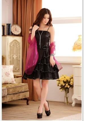 Schwarzes Abiballkleid mit Tüllgewebe und Lagenlook - hier günstig online bestellen