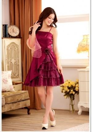 Lila im Abiballkleid mit stilvollem Lagenlook - bei VIP Dress günstig kaufen